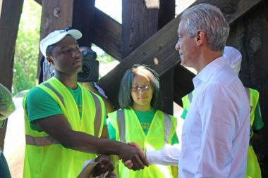 One Summer Chicago participant Arkalius Howard meets Mayor Rahm Emanuel.