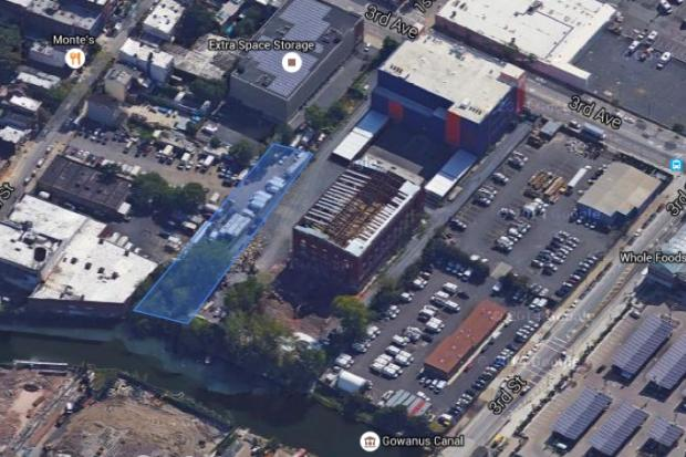 The blue section shows roughly where the First Street Basin was once. An offshoot of the Gowanus Canal that fell into disuse and was filled in, the First Street Basin will be restored and reconnected to the main canal under a plan by the U.S. Environmental Protection Agency.