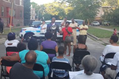 Devry Graham of Graham Funeral Directors speaks at a neighborhood gathering on July 5, 2016 in West Englewood.