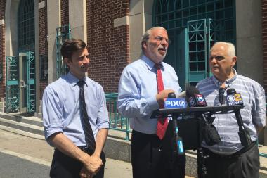 City Councilman Steve Levin, State Assemblyman Dov Hikind and State Assemblyman Joe Lentol announced the city's decision on Wednesday afternoon.