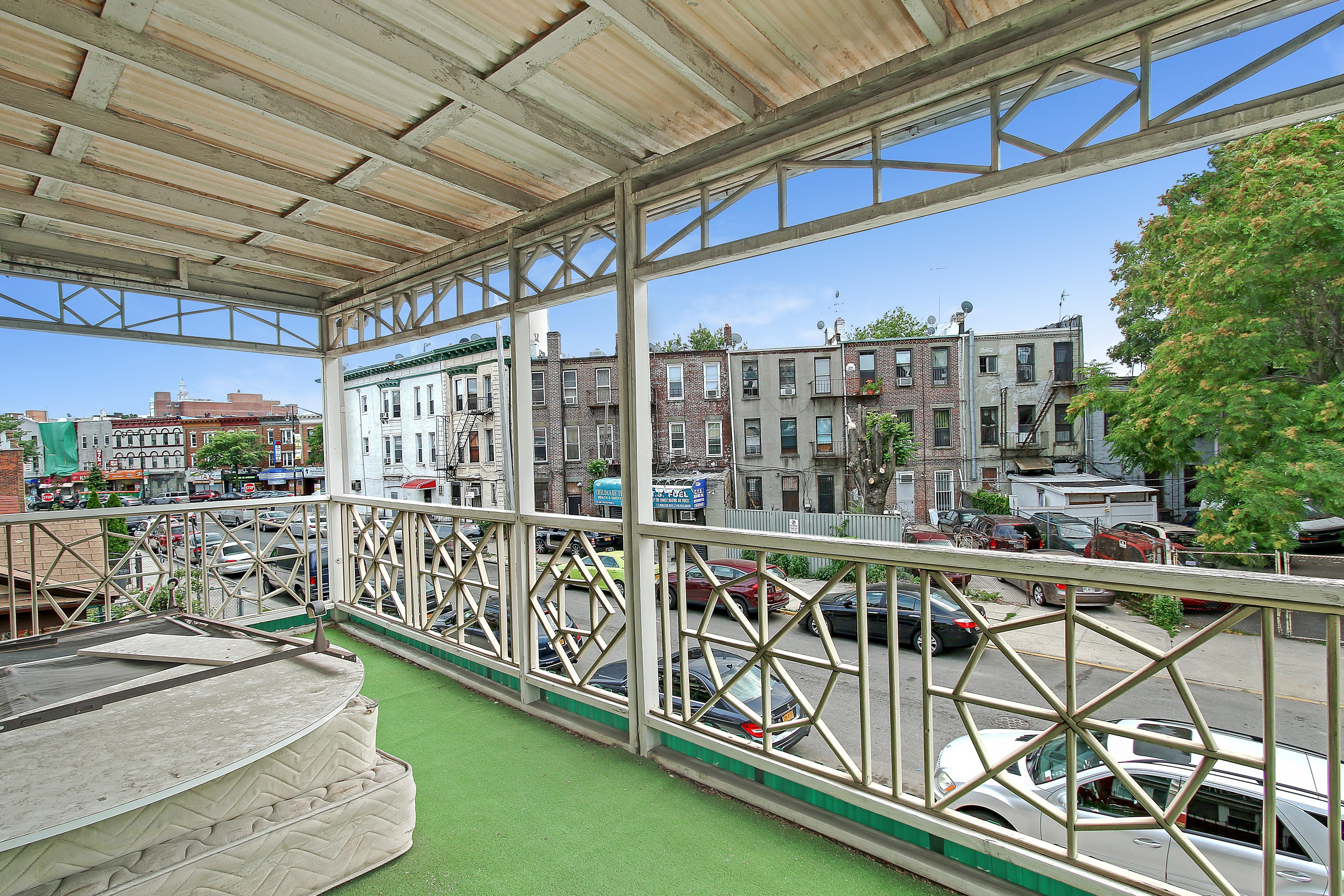 28 st balcony