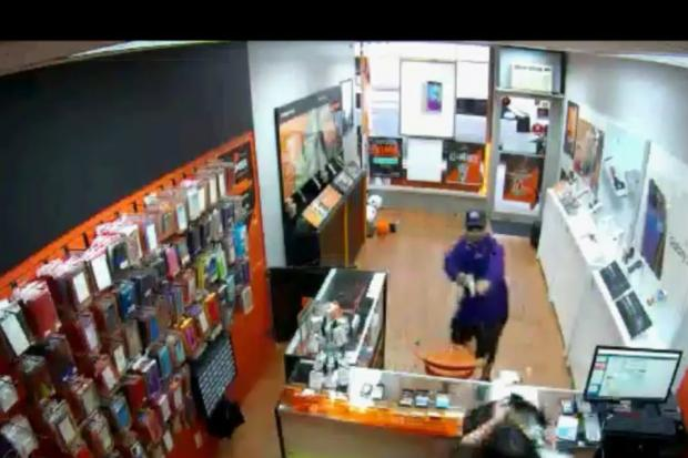 video  astoria boost mobile employee fends off armed