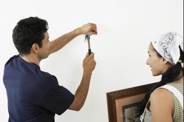 Understand the composition of your wall (either drywall, plaster or masonry) before trying to hang something.