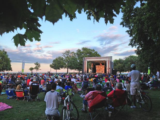 Chicago's favorite summer tradition Chicago Shakespeare in the Parks tours a FREE 75-minute family-friendly production of Twelfth Night to neighborhood parks throughout the city as part of Shakespeare 400 Chicago, July 14–August 14, 2016.