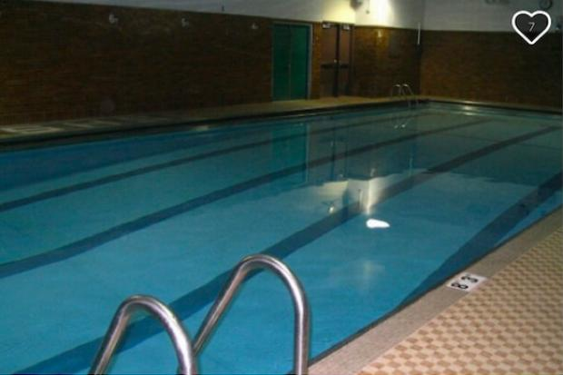 Senn 39 s historic pool getting repairs could open to community for lessons edgewater chicago for Rogers high school swimming pool