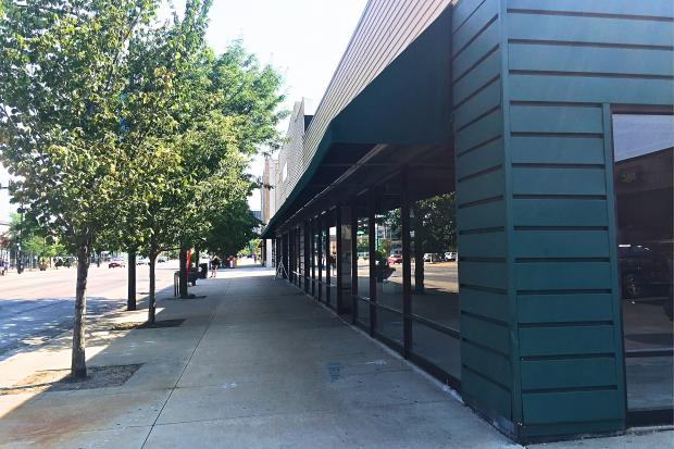 An Advocate Health Care medical office will takeover the former Pier 1 space along North Broadway.