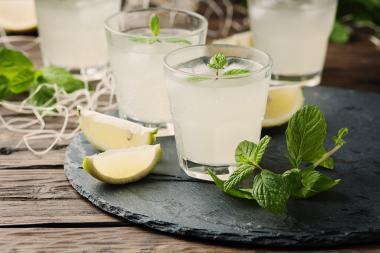 A fresh lemonade-based cocktail.