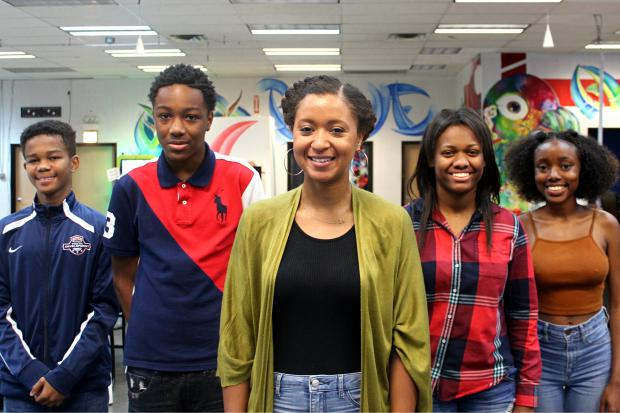 Pilsen resident Britney Robbins (center) has launched The Gray Matter Experience, a start up non-profit that aims help Black teens start businesses. Also pictured (L-R): students Nicholas Goodloe; Isaiah Kelley; Tamia Whiters; Akili Hayden.