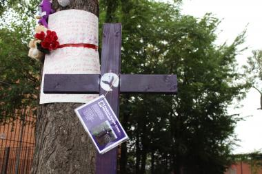 A memorial for Nykea Aldridge has been put up in Woodlawn after a dispute between members of the same gang lead to gun shots that unintentionally hit Aldridge, according to a former gang leader in the neighborhood.