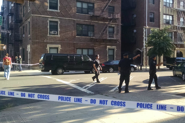 Man Killed In Crown Heights Triple Shooting Nypd Says Crown Heights New York Dnainfo