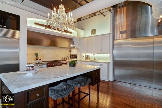3 Bedroom West Loop Loft Condo Listed For 1 325 000 West Loop Chicago Dnainfo