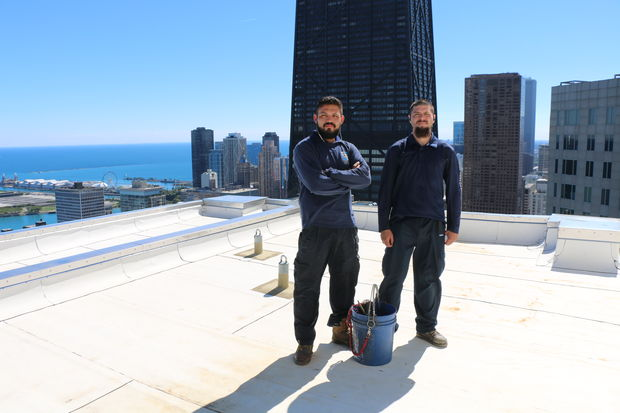 What does it take to be a Chicago window washer?