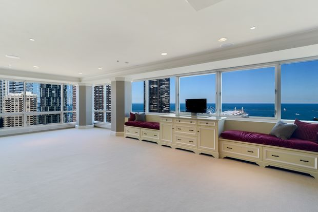 3 Bedroom High Rise Condo Listed For 2 875 000 Gold Coast Chicago Dnainfo