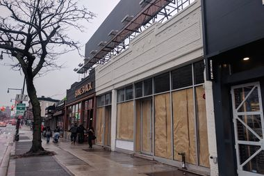 Kings Town, a planned sports bar and gastro pub, will open at 166 Flatbush Ave. this year. The multi-level space is located between Shake Shake and True Religion, directly across from the Barclays Center.
