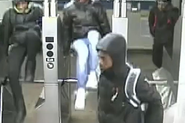 Subway Harassers Attack Good Samaritan Who Tries To Help Passenger Nypd Prospect Lefferts