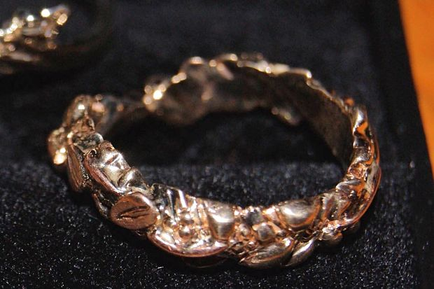A Rogers Park woman lost one of the bands to her wedding ring set, custom made from jewelry belonging to friends and family.