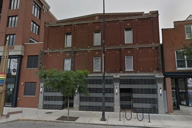 Police removed a dead man from Steamworks Chicago, a Boystown bathhouse, late Monday.