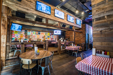Printers Alley, a Nashville-inspired restaurant in Midtown, will show the Super Bowl on 21 big screens.