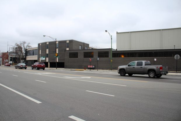 The warehouse would replace the current structure, a former food distribution center, across Milwaukee Avenue from the Jefferson Park District police station.