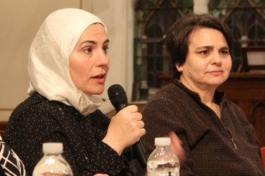 Suzanne Akhras Sahloul of the Syrian Community Network was among the speakers at a refugee forum that highlighted the need for citizens to mobilize on a variety of fronts.