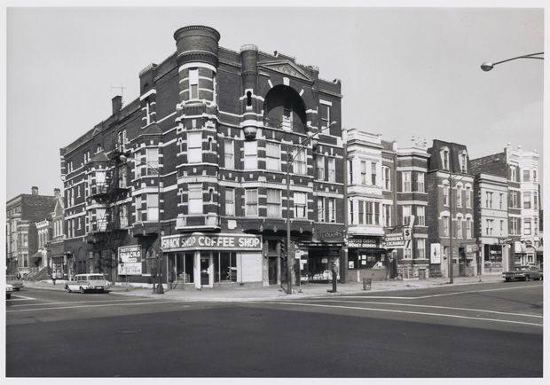 A photo by Sigmund J. Osty of the Damen and Division corner on Oct. 9, 1966.