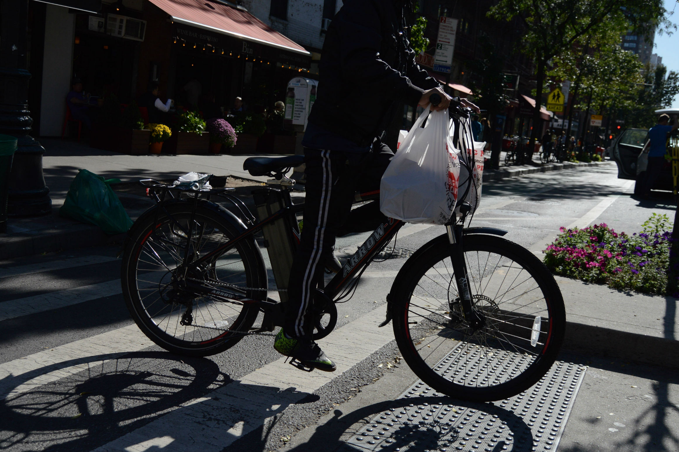 De Blasio Announces Crackdown On E-Bike Riders