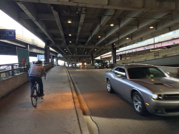 One lane of northbound lower Lake Shore Drive traffic will close during construction of the Navy Pier Flyover next year.