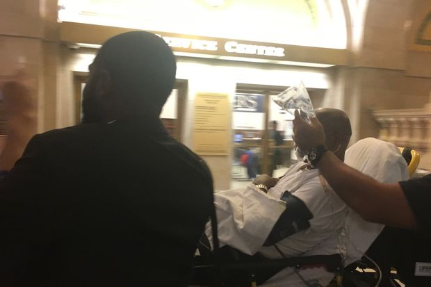 Ald. Willie Cochran (20th) was taken to Northwestern hospital Thursday morning.