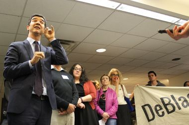 Local protesters crashed the final Inwood Library workshop on Tuesday night, prompting Councilman Ydanis Rodriguez to take to twitter to voice his concerns over the project.