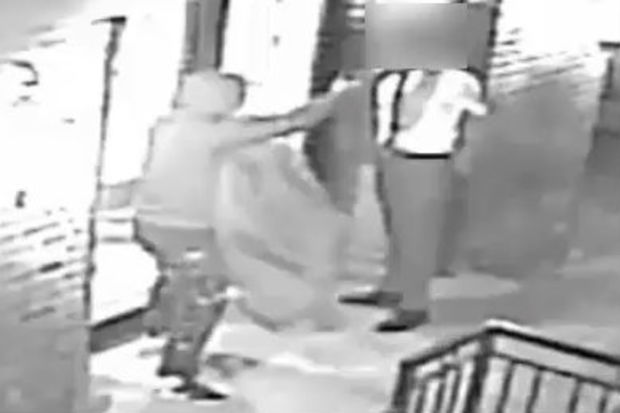 Video Fashion Conscious Mugger Steals Suit Off Man S Back