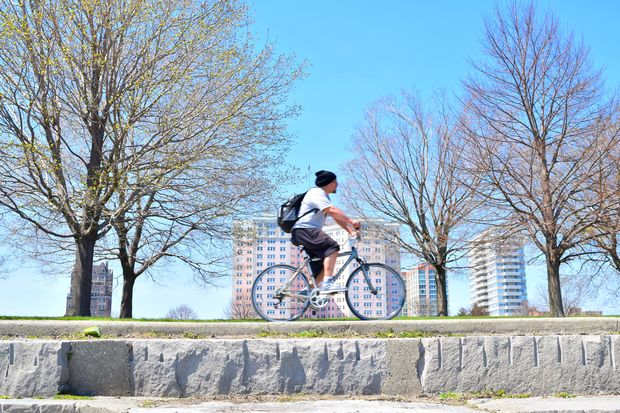 A new transportation and biking group is being formed in Edgewater and meeting for the first time Saturday.