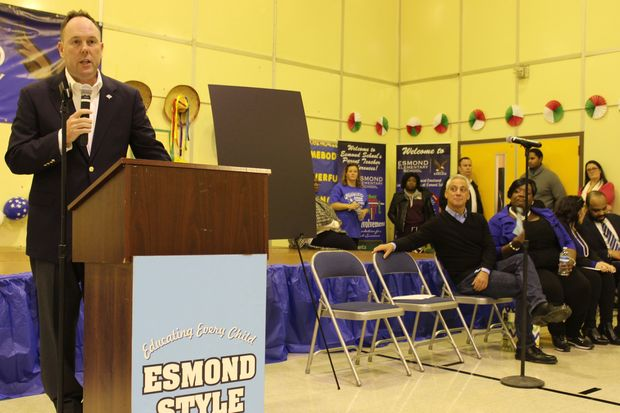 Two elementary school construction projects in the 19th Ward totaling $40 million were announced Saturday by Mayor Rahm Emanuel. Both Mount Greenwood Elementary School and Esmond Elementary School in Morgan Park will receive additions.