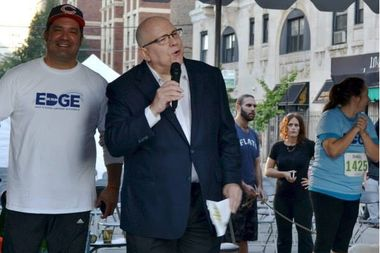 Edgewater resident and meteorologist Tom Skilling will be presented with the