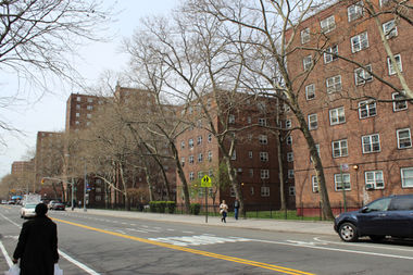 The quality of public housing in New York City is below the national average, according to an analysis of federal inspection data from the Independent Budget Office.