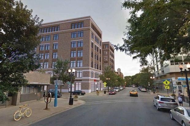The Chicago Planning Commission approved a zoning change Thursday to allow for a seven-story, transit-oriented development at 3921 N. Sheridan Road.