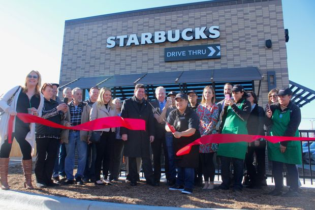 The neighborhood's first Starbucks, 6340 N. Northwest Hwy., was built on a lot that had sat vacant for more than five years.