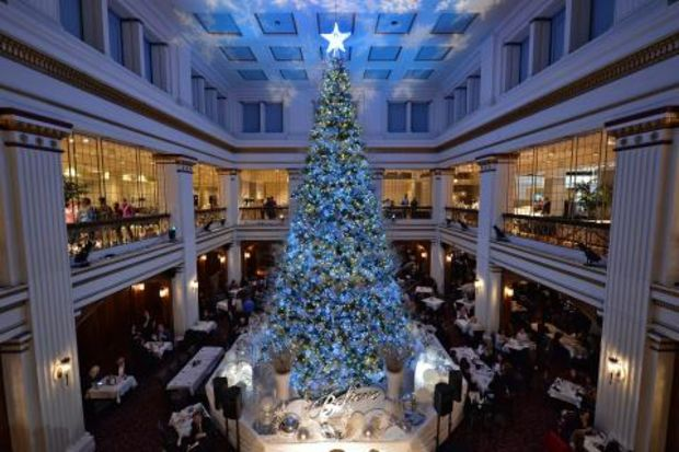 macys will keep its famed walnut room on state street despite listing the top seven floors - Christmas Decoration Stores Chicago