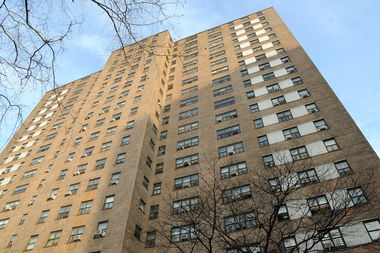 A man stabbed his girlfriend inside a building at 101st Street and Columbus Avenue early Wednesday morning.
