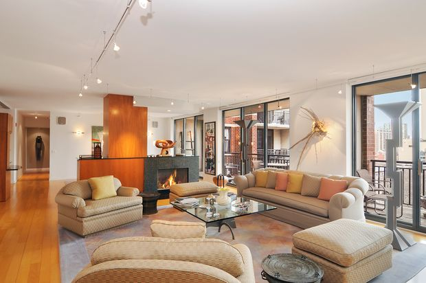 3 Bedroom Gold Coast Condo Listed For 1 850 000 Gold Coast Chicago Dnainfo