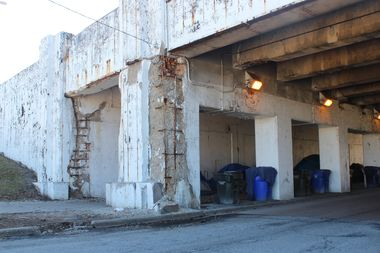The Lawrence Avenue viaduct and Wilson Avenue viaduct are both on the list of