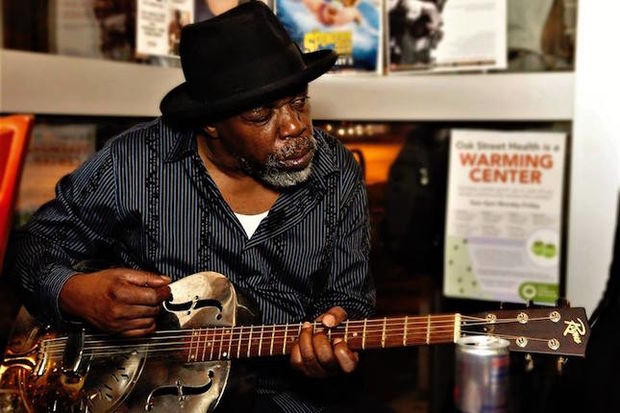 Blues guitarist Lurrie Bell will kick off a weekend of live performances at City News Cafe, 4018 N. Cicero Ave., at 6 p.m. on Friday.