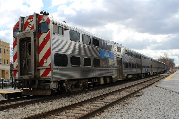 Up to three children can ride Metra for free this summer with a fare-paying adult from Memorial Day — May  29 — through Labor Day — Sept. 4.