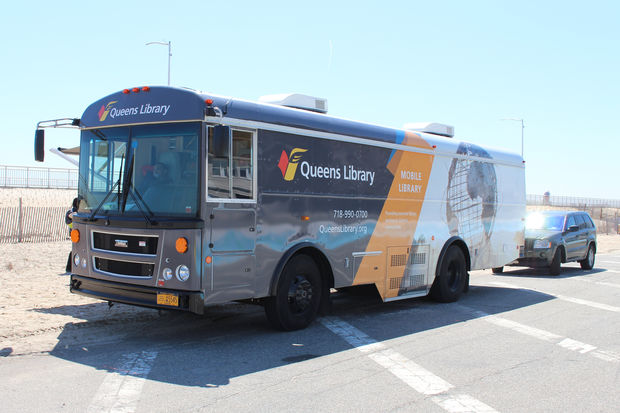 After being discontinued in November, Queens Library is bringing its mobile library service back to Hunters Point on Sundays starting April 19, 2017.