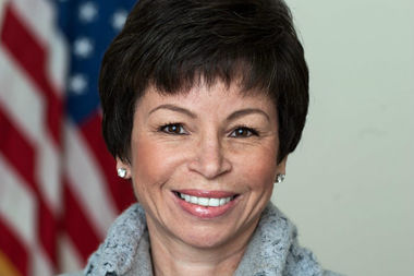 Valerie Jarrett will also receive an honorary doctorate from the university on May 8.