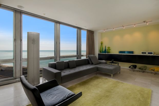 860 N. Lake Shore Drive Unit 7JK