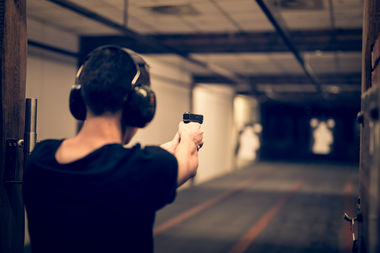 A new law that has the support of the mayor would allow gun ranges to open up in more parts of Chicago.