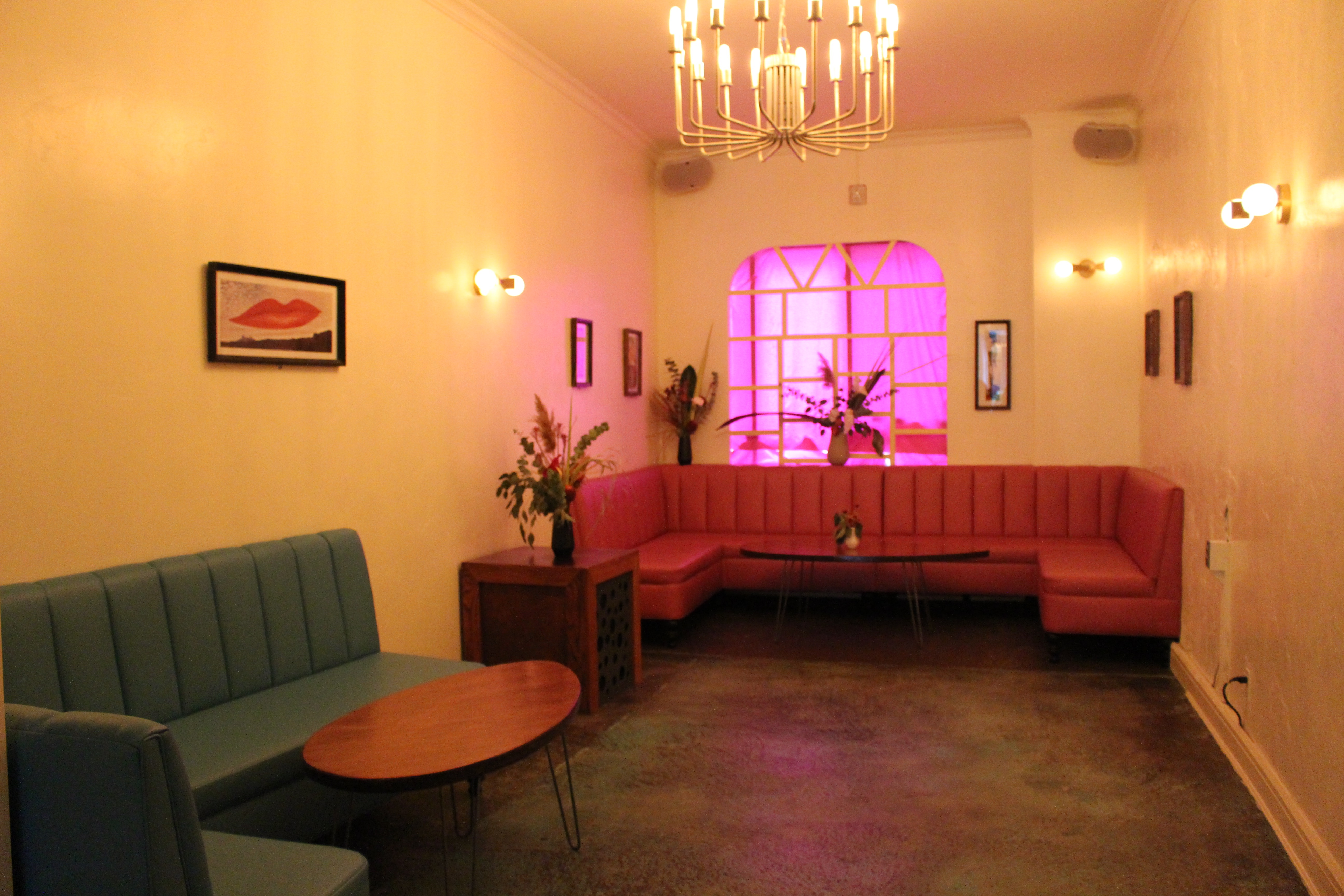 A Seating Area In The Newly Opened Kind Regards DNAinfo Allegra Hobbs