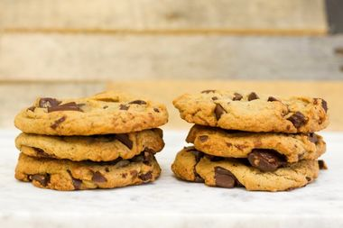 Insomnia Cookies is offering six chocolate chip cookies for $4.20 on Thursday.