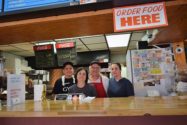 Patio Beef has been serving Edgewater classic American and Greek fare for 35 years.