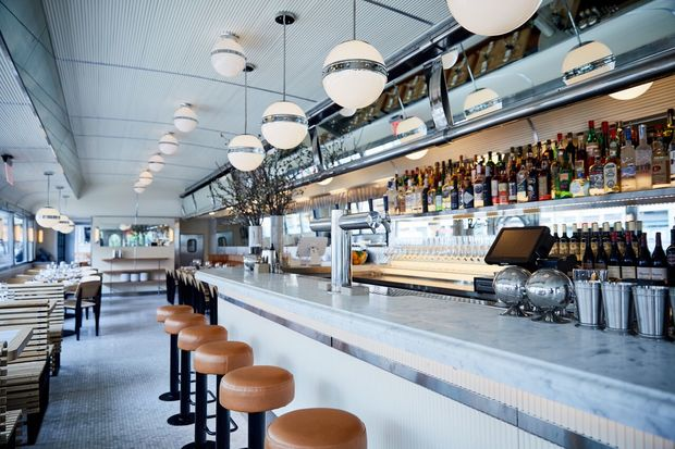 See it empire diner reopens under new management after for Amnagement bar cuisine